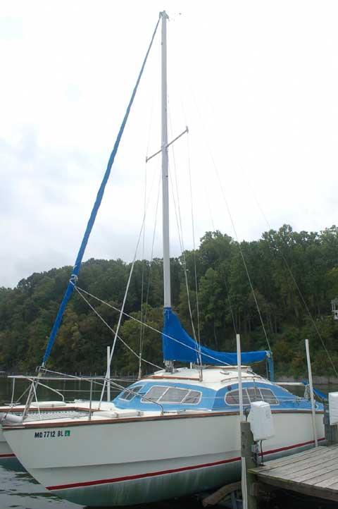 Iroquois 32 Mark 2A, 1977 sailboat