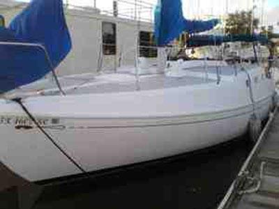 Islander 33', 1978 sailboat