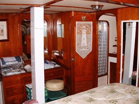 Island Trader, 46 ft, 1982 sailboat