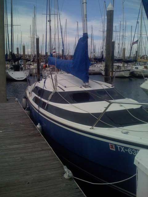 MacGregor 26M, 2003 sailboat