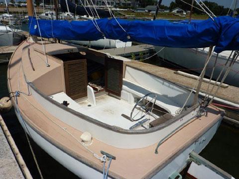 Marshall 22 catboat, 1972 sailboat