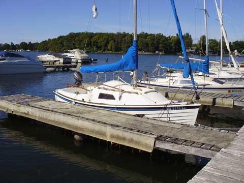Montgomery 17, 1986 sailboat