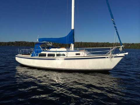 Newport 30, 1974 sailboat