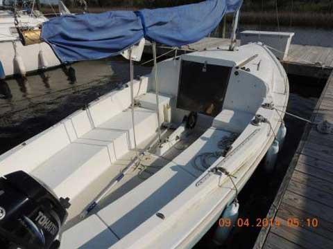 O'Day Mariner 19 2+2, 1976 sailboat