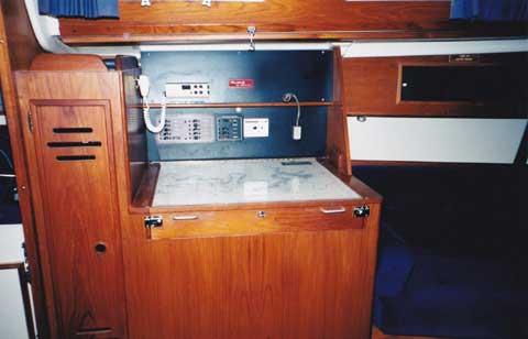 Pearson 33-2, 1986 sailboat