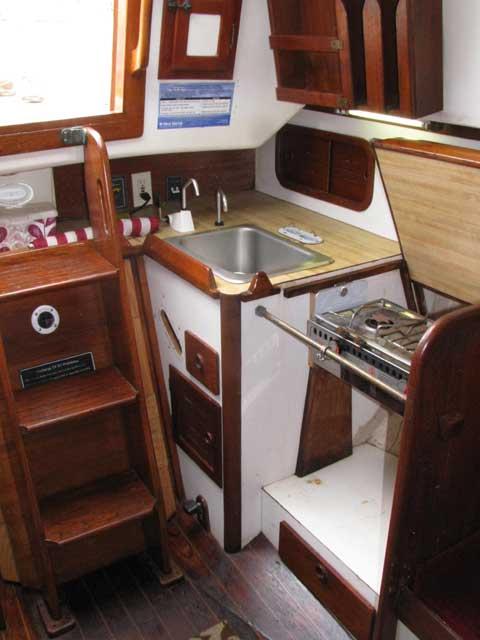 Southern Cross 28, 1981 sailboat