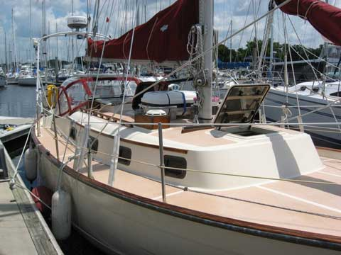 Southern Cross 31 Cutter, 1979 sailboat