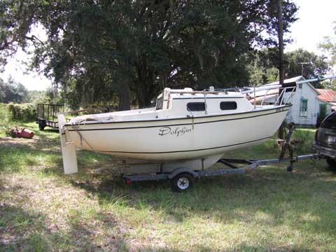 Sovereign 17, 1981 sailboat