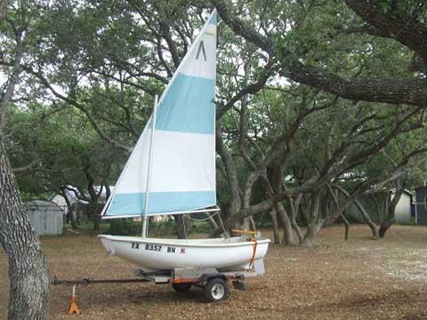 Boston Whaler Squall 1979 sailboat