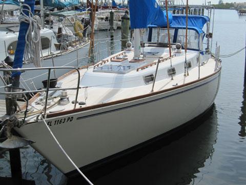 Tartan 37, 1983 sailboat