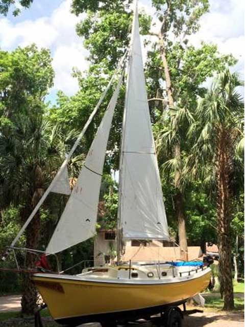 Macgregor Venture of Newport 23', 1978 sailboat