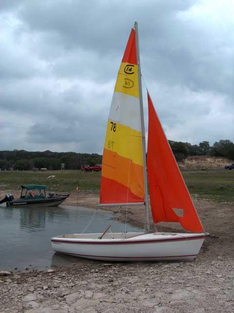 Capri 14.2, 1984 sailboat