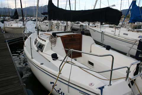 Catalina Capri 26, 1992 sailboat