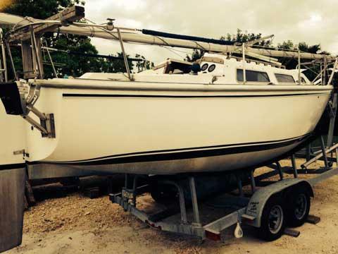 Catalina 25, 1982 sailboat