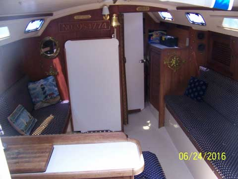Catalina MKII 30FT, 1989 sailboat