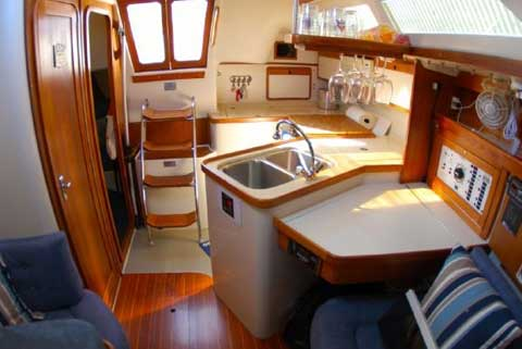 Catalina 320, 1995 sailboat
