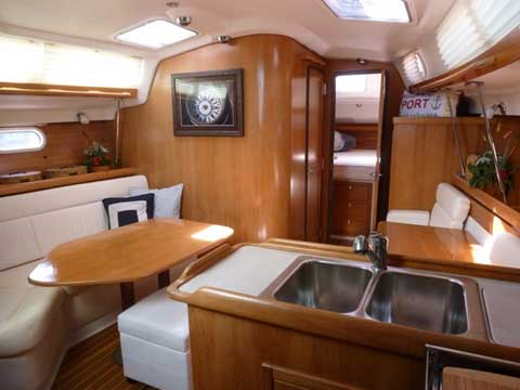 Catalina 350 2004 sailboat