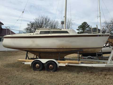Dolphin 22, 1981 sailboat