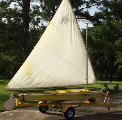 Dolphin Senior, 1966 sailboat