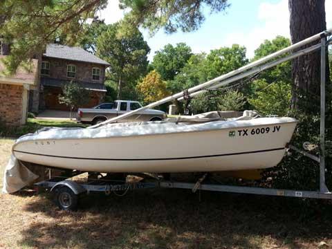 Hunter 146, 2003 sailboat