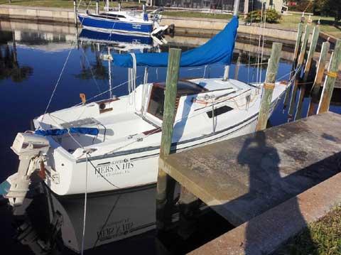 Hunter 22, 1981 sailboat