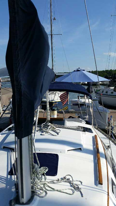 Hunter 28, 1993 sailboat