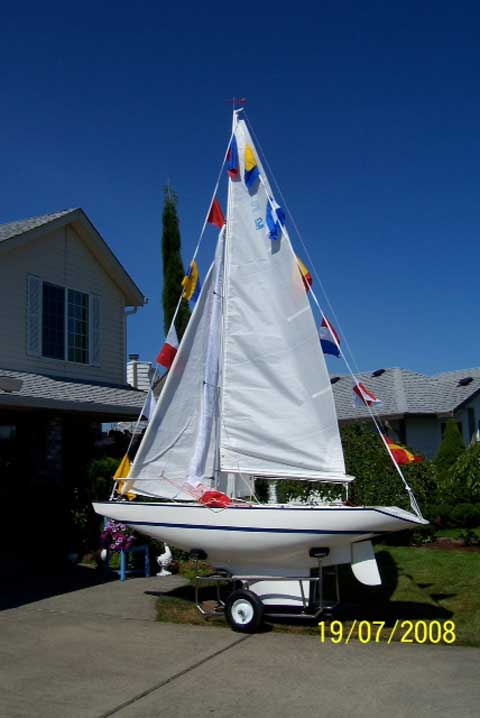 Illusion Class Mini Yacht, 12 ft., 1985 sailboat