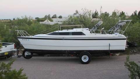MacGregor 26 X, 1998 sailboat