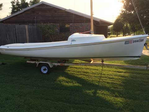 O'day Daysailer, 16 ft. 9in.,  sailboat