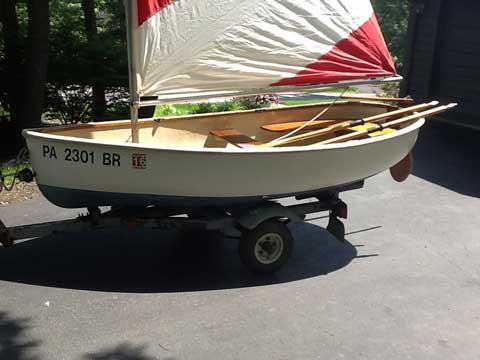 Oxford Dinghy, 1982 sailboat