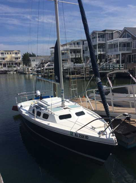Rhodes 22, 1993 sailboat