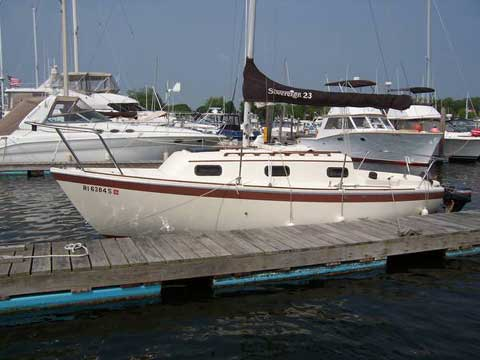 Sovereign Adventure 23, 1983 sailboat