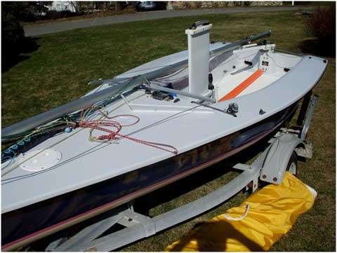 Transfusion 12.1 Daysailer, 2003 sailboat