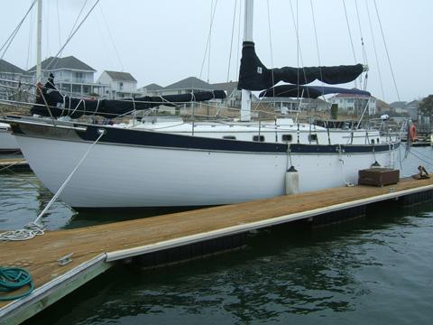 Young Sun Cutter, 1979 sailboat