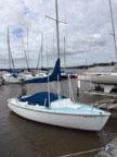 1980 Catalina 22 sailboat