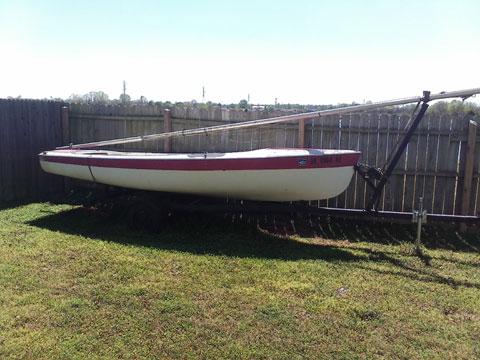 Advance Sweet 16, 1980 sailboat