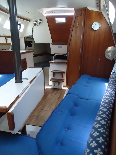 Catalina Capri, 1991 sailboat