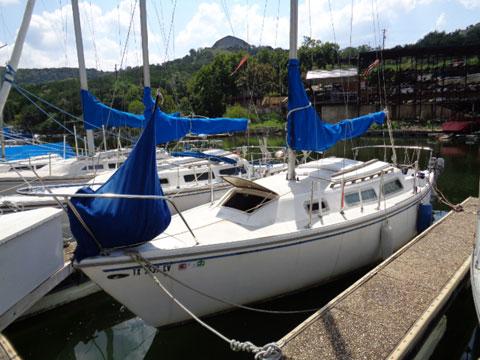 Catalina 25 Tall rig swing keel, 1980 sailboat