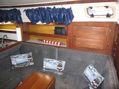 Catalina 30, 1990 sailboat