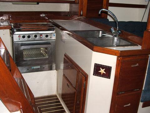 Catalina 36, Tall Rig Sloop, 1988 sailboat