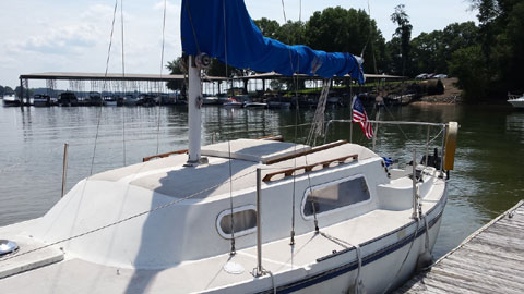 Helms 24, 1978 sailboat