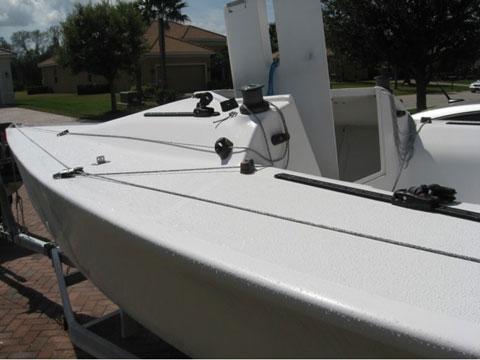 Henderson SR 21, 1993 sailboat