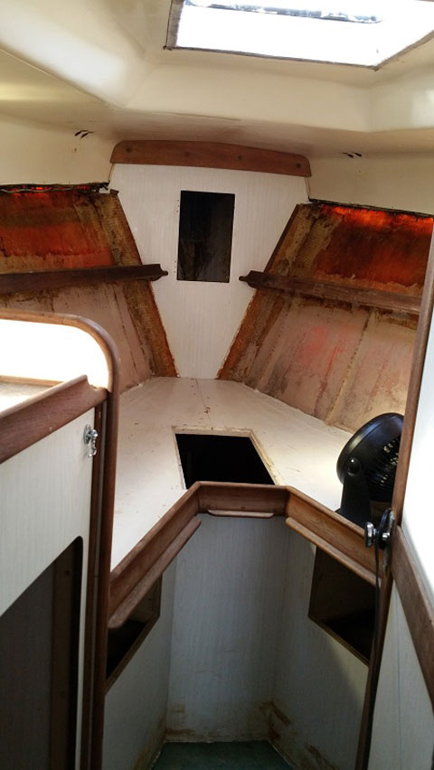 Heritage West Indies Center Cockpit Sailboat, 38 ft., 1977 sailboat