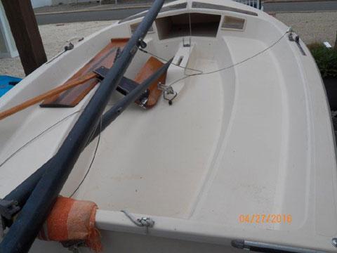 Holder 14, 1986 sailboat