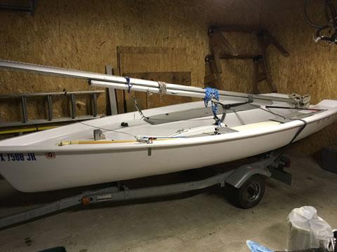 Hunter 140, 2004 sailboat