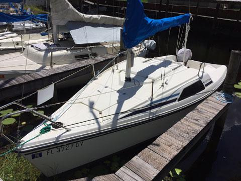 Hunter 18.5, 1981 sailboat