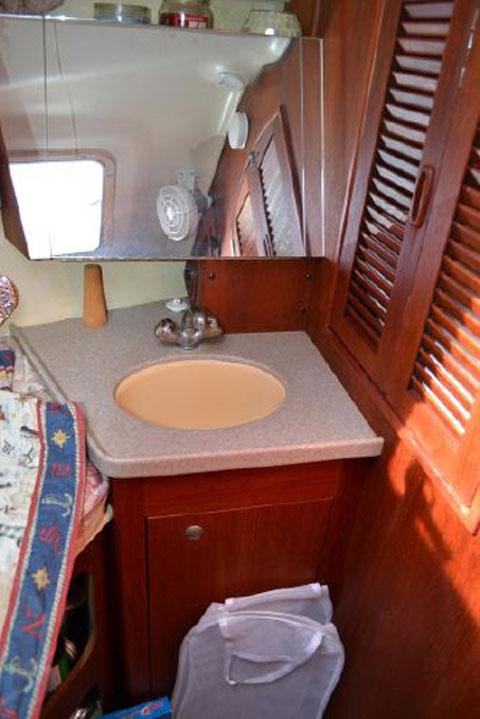 Hunter 380, 2001 sailboat