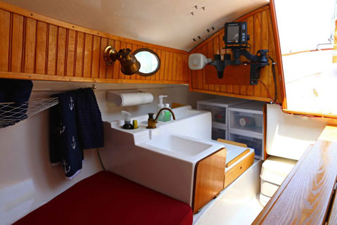 Menger 19 Cat, 2002 sailboat