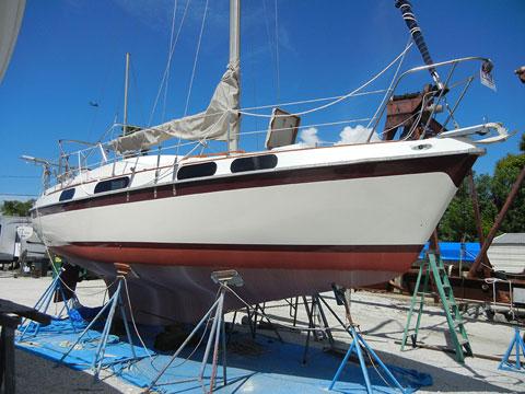 Morgan Out Island 28, 1975 sailboat