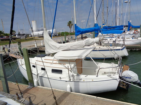 Pacific Seacraft Flicka 20, 1981 sailboat